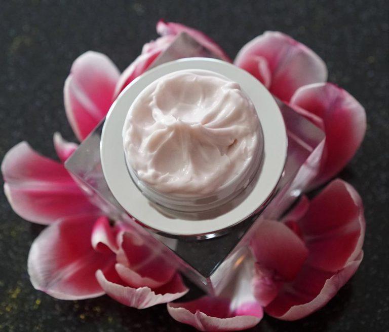 Czym charakteryzują się kosmetyki naturalne?
