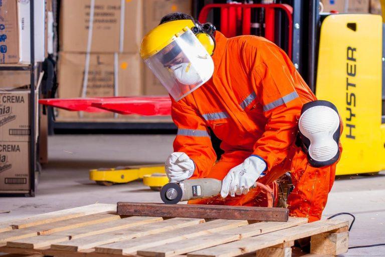 Środki ochrony osobistej dla pracowników