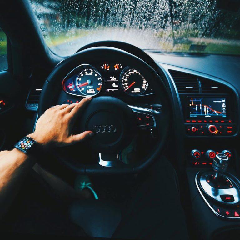 Realizacja profesjonalnego foliowania samochodu